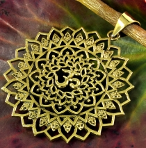 Amulet+Mandala+Om+-+Chain pendant%C3%A4nger+out+brass