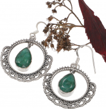 Decorated silver earring - Emerald