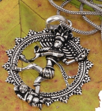 amulet+with+chain+%60dancing+Shiva+in+fire+wreath%60+-+silver tri..