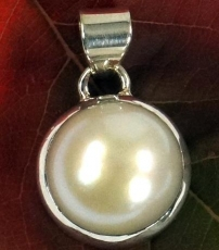 Ethno silver pendant, round Indian Boho pendant - mother of pearl