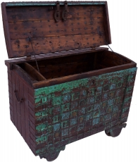 Large Indian wedding chest, wheel chest - Model 10