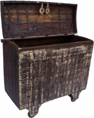 Large Indian wedding chest, wheel chest - Model 12