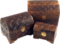 Half-round carved small treasure chest, wooden box, jewellery box..