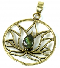 Lotus brass chain pendant with Labradorite