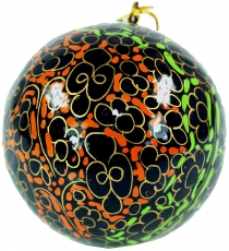 Upcyceling Christmas baubles made of papier-mâché, hand painted C..