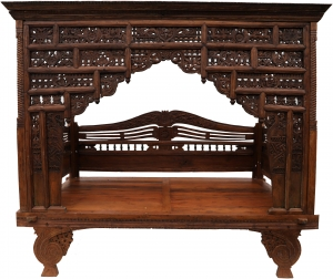 Historical four-poster bed, teak day bed - Model 9