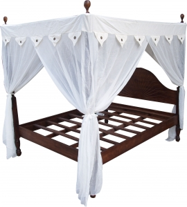 Canopy bed Ubud made of light teak wood