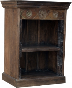 Small bookcase with decorations