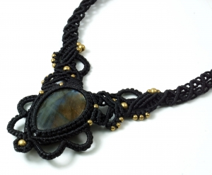Makramee necklace with Shining Labradorite, Goaschmuck - black