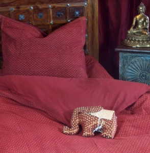 Hand-printed cotton bed linen 3
