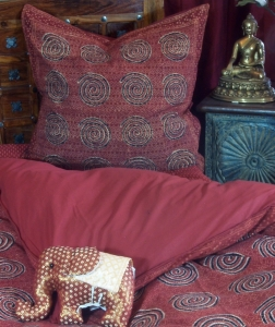 Hand-printed cotton bed linen 9