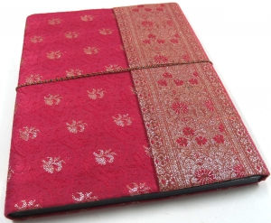 PhotoalbumPhotoalbums with Saree cover in pink 26*33 cm
