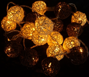 Rattan Ball LED Ball Lampion Chain of Lights - brown/white