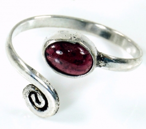 Brass toe ring, garnet Goaschmuck - silver