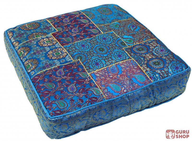 Orientalisches eckiges patchwork kissen 50 cm sitzkissen for Sitzkissen orientalisch gunstig