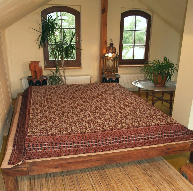 blockdruck tagesdecke bett sofa berwurf handgearbeiteter wandbehang wandtuch braun. Black Bedroom Furniture Sets. Home Design Ideas